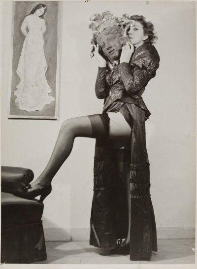 Leonor Fini, rue Payenne, Paris, 1934