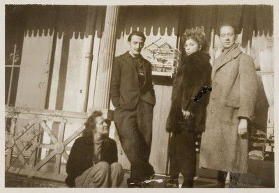Gala and Salvator Dalì, Leonor Fini, André Pieyre de Mandiargues, Arcachon, 1940, photography by Stanislao Lepri