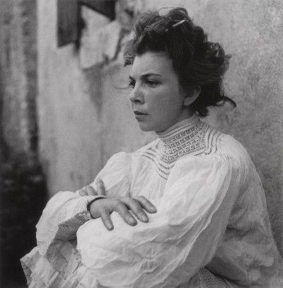 Leonor Fini, Saint-Martin-d'Ardèche, 1939, photographie de Lee Miller