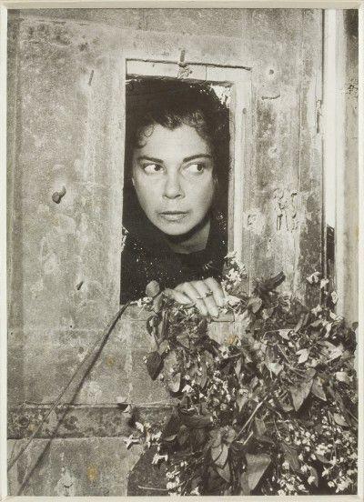 Leonor Fini à Torre San Lorenzo, Italie, 1952