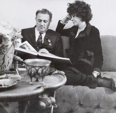 Federico Fellini et Leonor Fini, rue de La Vrillière, Paris, vers 1970